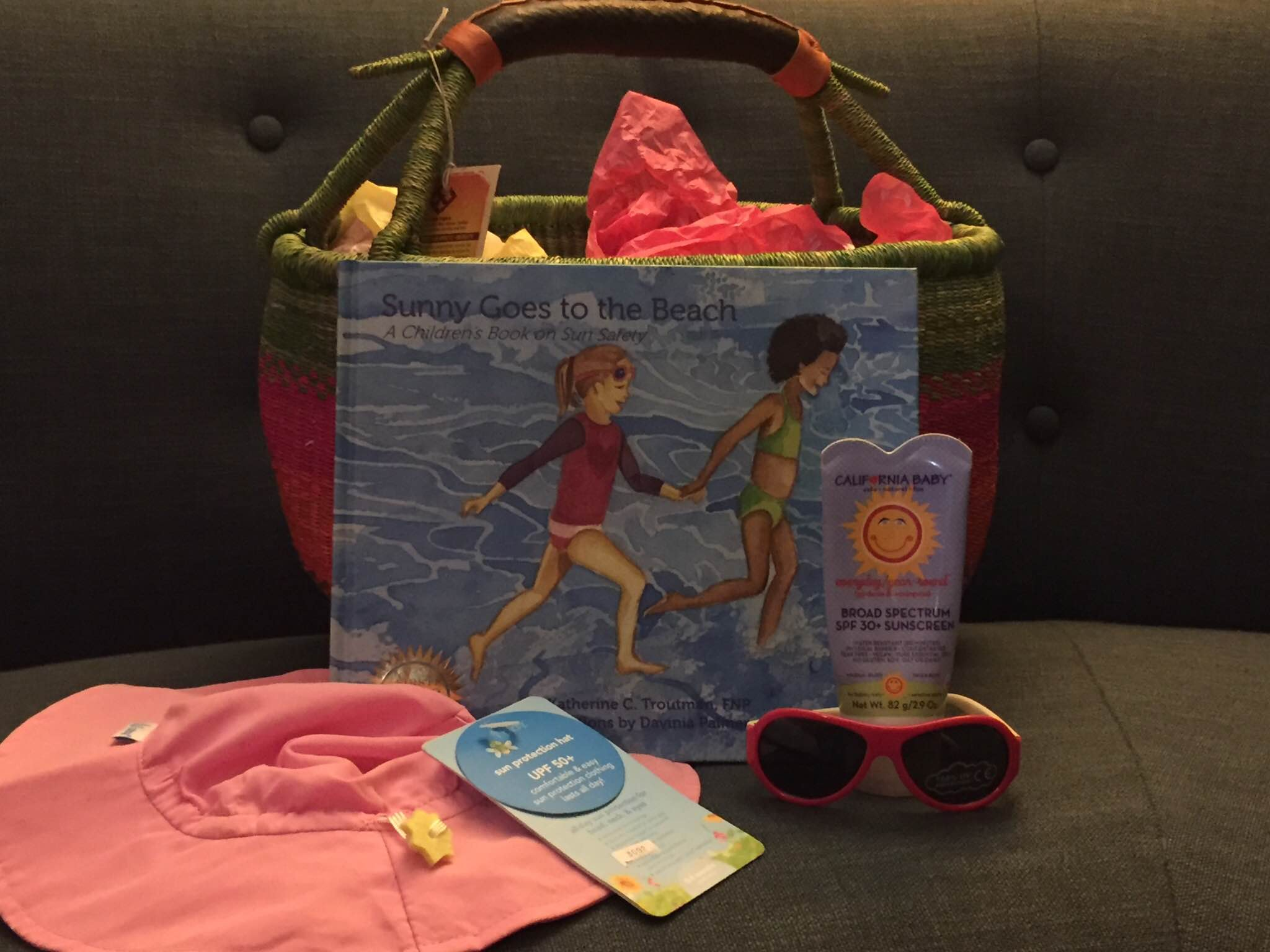 sunny-goes-to-the-beach-gift-pack-idea-photo-by-casey