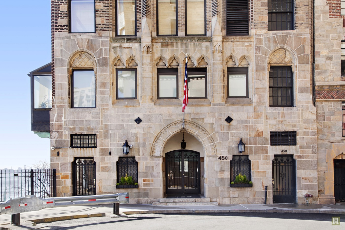 Greta-Garbo-New-York-Apartment-The-Campanile_16