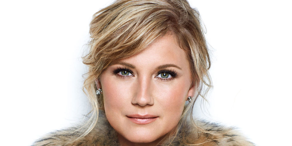 Jennifer Nettles | AXS TV | Music COncert on TV | Band Against Cancer